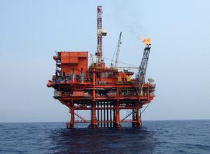 南海石油钻井平台